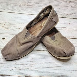 Toms Classic Brown Canvas Slip On Flat Loafer